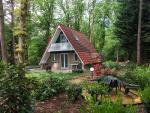 De bungalow staat op 800m2 grond
