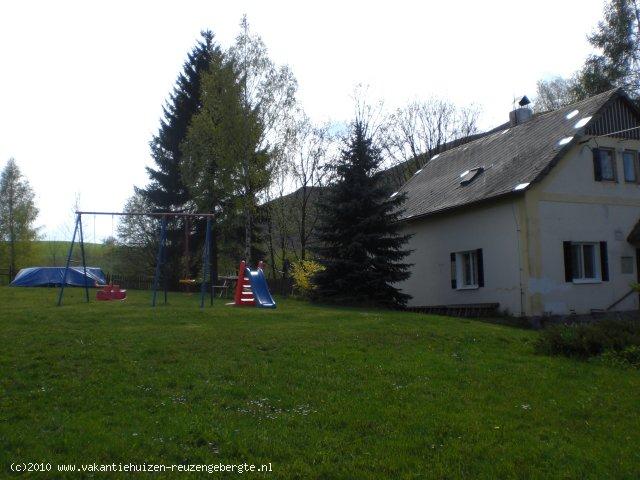 Vakantiehuis vanuit de tuin