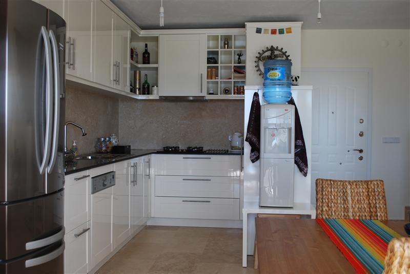 Super uitgebreide luxe keuken van alle gemakken voorzien