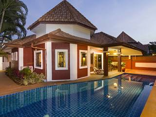 8 Villa With Pool Outside Pool Area